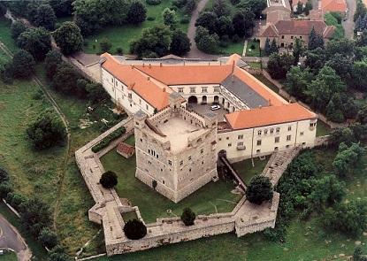 s_rospatak___castle_kicsi.jpg