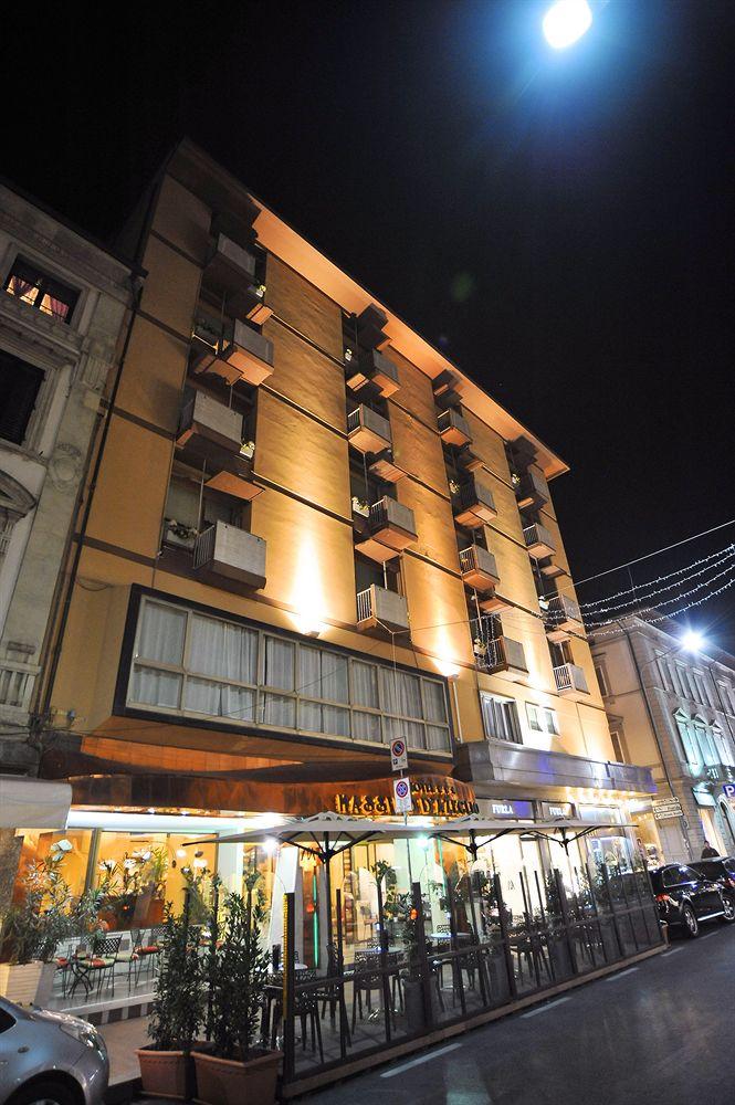 hotel_massimo_d__azeglio.jpg