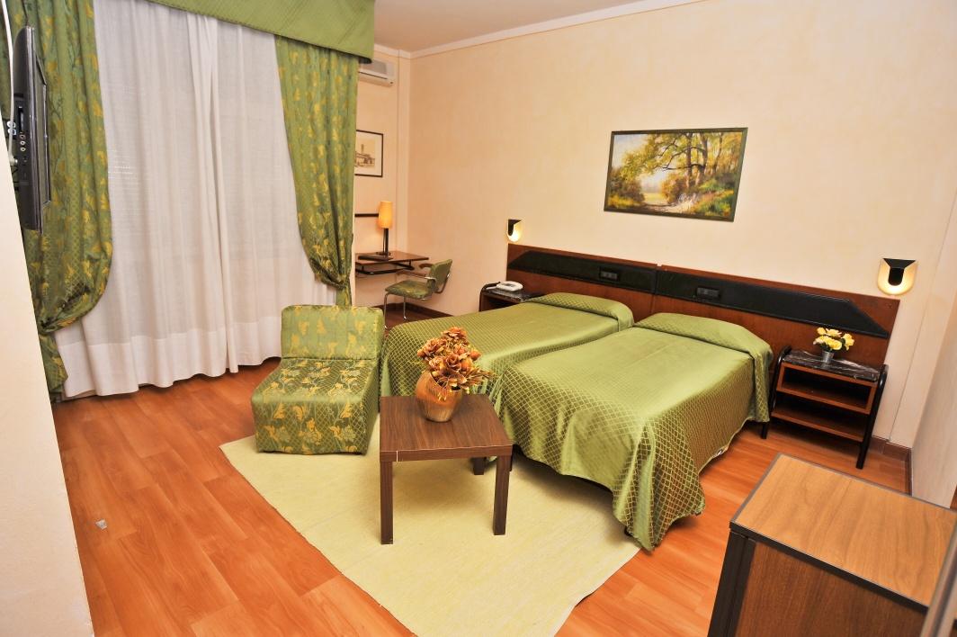 hotel_massimo_d__azeglio_szoba.jpg