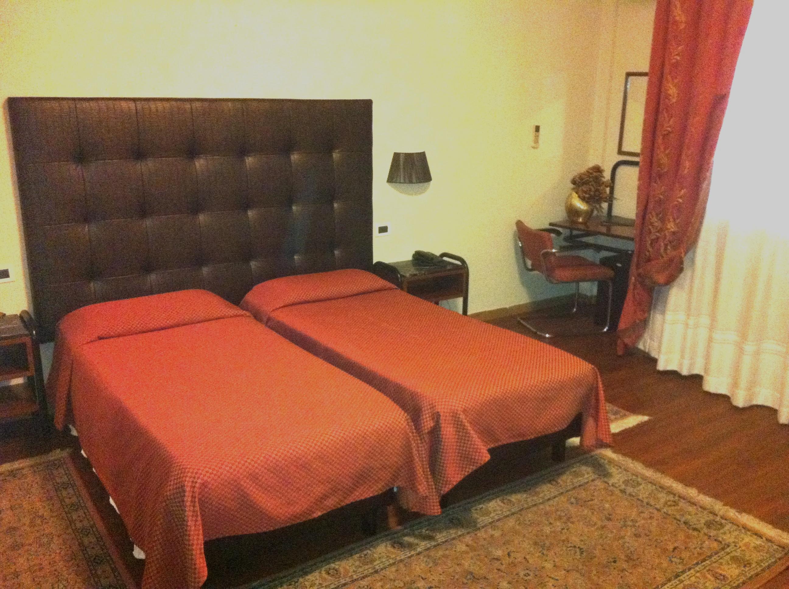 hotel_massimo_d__azeglio_szoba1.jpg