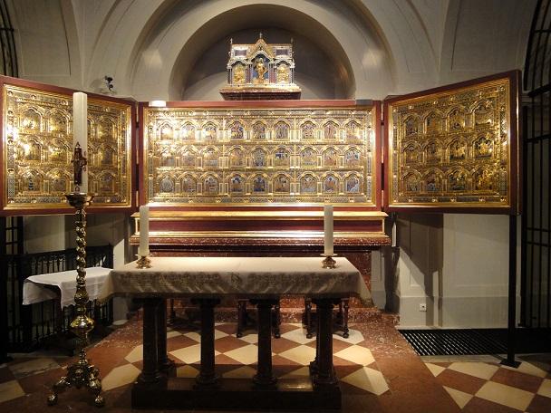 klosterneuburg_3_kicsi.jpg_verduni_olt__r_m__solata.jpg