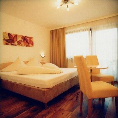 hotel_feneberg_szoba.jpg